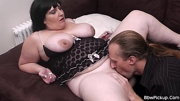 brunette bbw is pussy licked and.