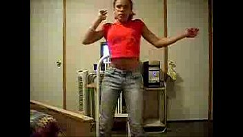 ebony amateur chick dancing in jeans.
