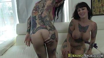 tattoo slut eats creampie