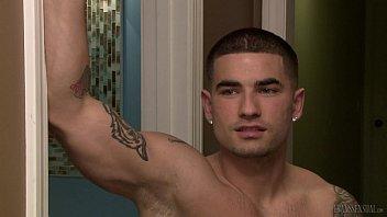 aspen brooks seduces a younger guy