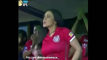 preeti zinta hot clevage video  during ipl match