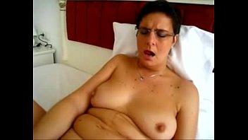 chubby mature masturbating