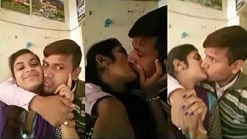 desi bihari teacher hot kiss in tution class room(viral)