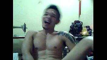 vietboy horny on cam