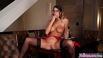 twistys - (august ames) starring at i am.