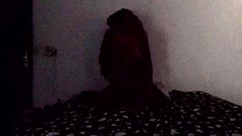 morena de dread delicinha recebe rola no escurinho.