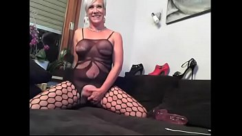 mature babe masturbate on cam