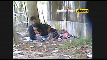 outdoor blowjob mms of desi girls with lover.