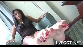 cute girls shows off hawt feet and slaps.