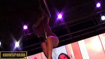 hot blonde strip pole dance on.
