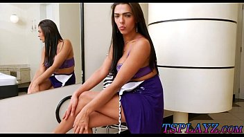gorgeous tranny leticia araujo teasing on cam and.