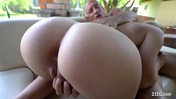 blondie wants her step-father&#039_s penis