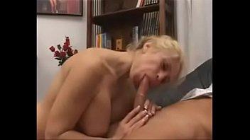 super sexy busty mom analized  &_ facialized.
