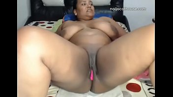 big ass black girl. cam with the ladies.