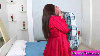 teen young inexperienced girl suck cock like a.