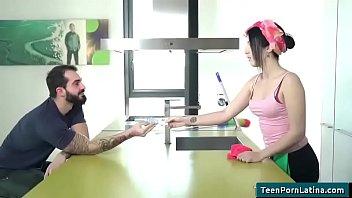 oye loca - sexy teen latinas porn video 11