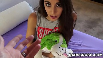 dadscrush- cheating on mom with stepdaughter