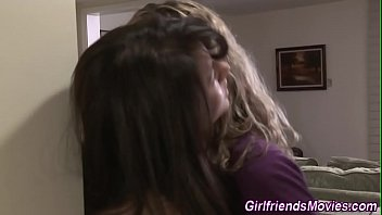 lesbian gets pussy licked