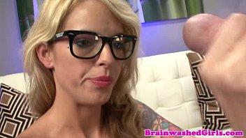 kinky tattood blonde teen wanks doctor