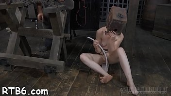 master is torturing babe&#039_s fur pie