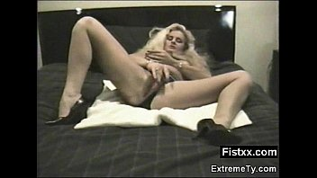 big booty fisting woman seduced and.