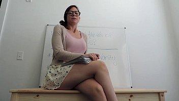 english teacher feelin&#039_ horny in class.