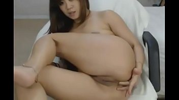 crazyamateurgirls.com - hot asian babe playing pussy and.