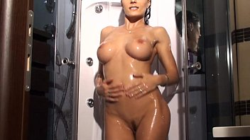 hot shower for sofia cucci jerking off her pussy