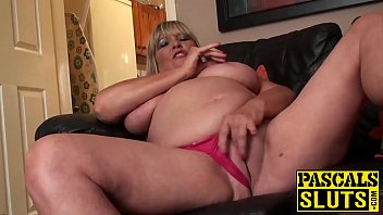 chubby mature lady rubbing her shaved.