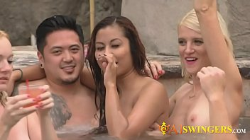 a1swingers-15-1-218-swing-season-1-ep-4-nikki-and-mark-2
