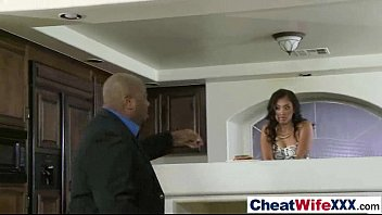 hot wife (yasmine de leon) love to cheat.