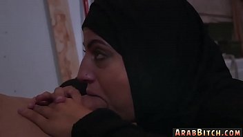 arab girl dance on cam and hairy pipe dreams!