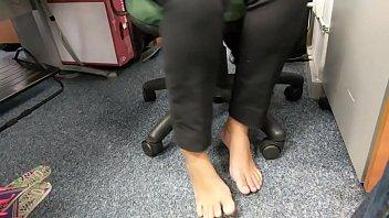 candid feet amazing barefoot in work part 1- www.prettyfeetvideo.com