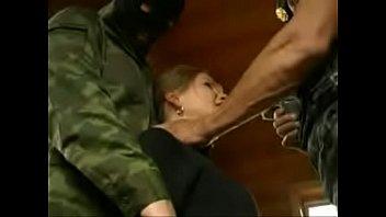 rap scream and cream - soldados estuprando um russinha