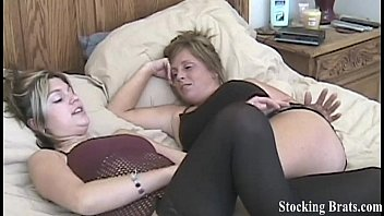 carmen and jessie get turned on.