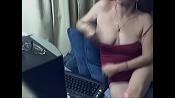 diamondgirlcams.com - lovely granny with glasses.
