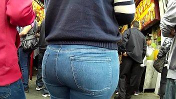 big ass jeans.. latinas..