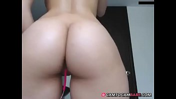 young girl shows big white ass live cam.