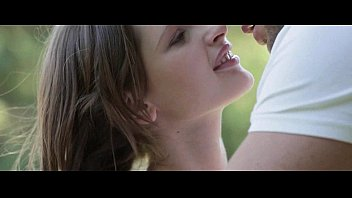 gorgeous teen babe gifting her boyfriend with bj outdoor