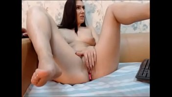 hot girl masturbating on live cam