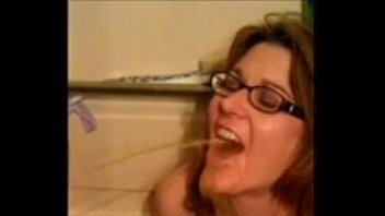 amateur wife drinks 2 guys piss!