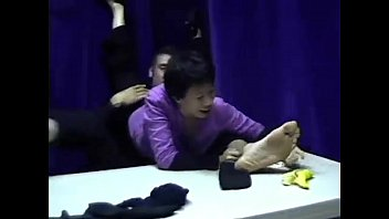 girl lick male feet 3