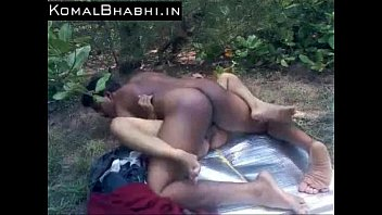indian lovers fucking in forest - real indian sex