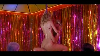 elizabeth berkley &amp_  rena riffel showgirls (pole dance)