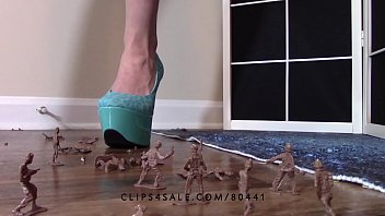 giantess goddess lucy crushing army men high heels.