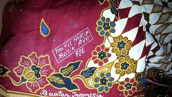 cum on aunty'_s lungi textil motif batik ayu 526