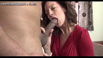 skinny mature beauty sits her pussy on an.