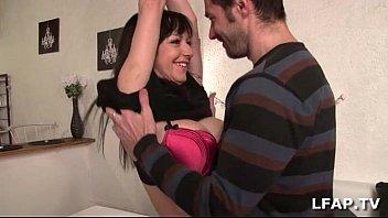 amatrice francaise aux gros seins baisee par son.