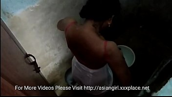 hidden cam desi girl bathing