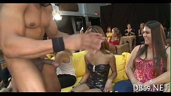 yong girls doing oral job pleasure